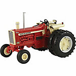 Farmall 1:16 Scale Big Farm 1206 Farmall Tractor