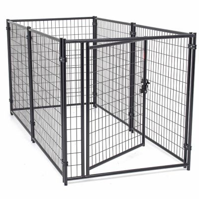 TSC carries dog and pet cages, crates, kennels, runs, fencing and enclosures for large and small dogs for sale at your local Tractor Supply store.