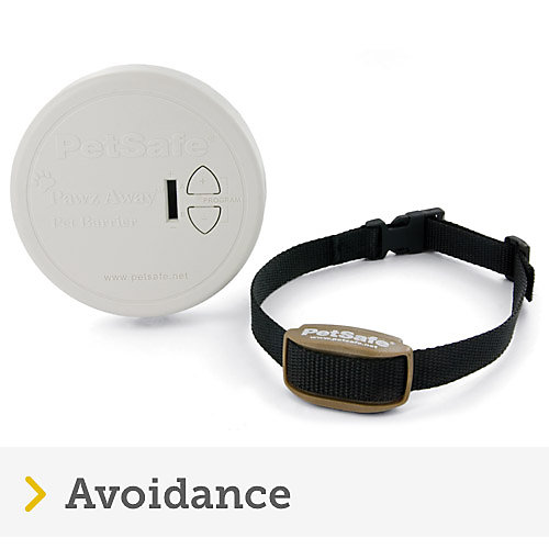 Petsafe avoidance product showing pawz away black collar and white barrier system