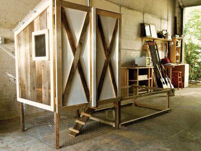 Chicken condo chicken coop design chicken coops for Chicken coop interior designs