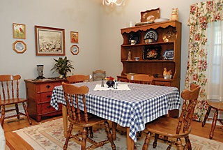 dining room replica of The Andy Griffith's Show home