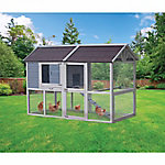 Innovation Pet Deluxe Farm House Chicken Coop, Up to 8 Chickens