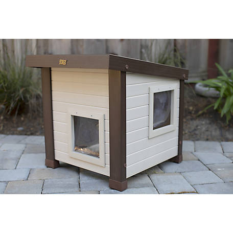 ecoFLEX New Age Pet, Albany Feral Cat Shelter made with ECOFLEX, ECTH350
