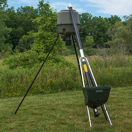 Capsule Feeders BadAss Auger at Tractor Supply Co