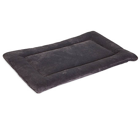 Aspen Pet 28.5 in. x 18.5 in. Kennel Mat 30-50 lb.
