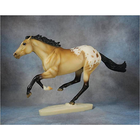 Breyer Traditional TSC Exclusive - Hakan Horse Toy, 701741