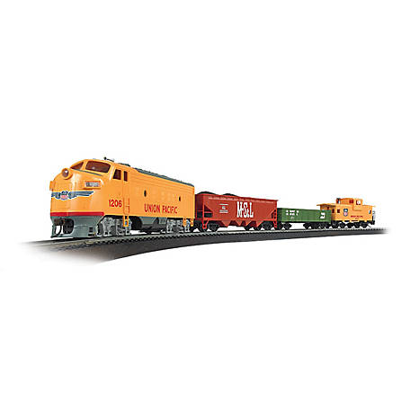 Bachmann Trains HO Scale Challenger Ready to Run Electric Train Set, 621