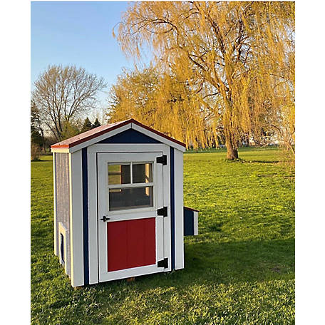Cutest Coops Charming Coop Only With Red Metal Roof 4 Ft X 4 Ft X 6 Ft Run Cupola Not Included Charmred At Tractor Supply Co