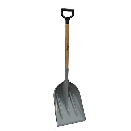 GroundWork Plastic Scoop with Hardwood Handle, YN-8SH1-19PD